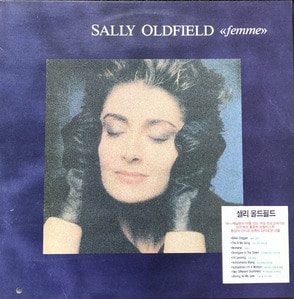 SALLY OLDFIELD - THE WORLD OF SALLY OLDFIELD